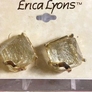 NWT Erica Lyons pierced earrings